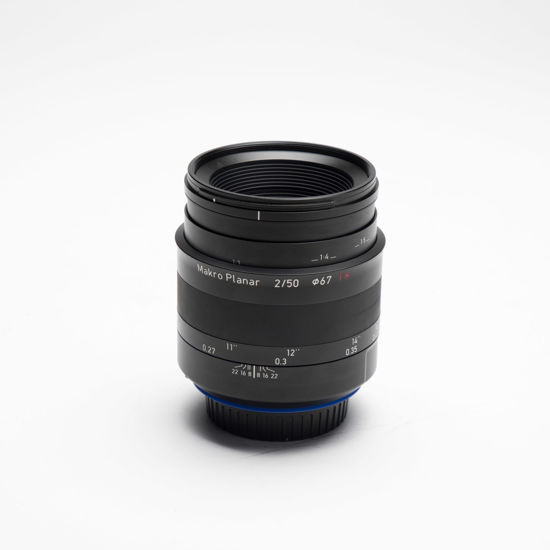 Picture of Zeiss Milvus ZE 50mm 2.0 Macro Canon mount lens