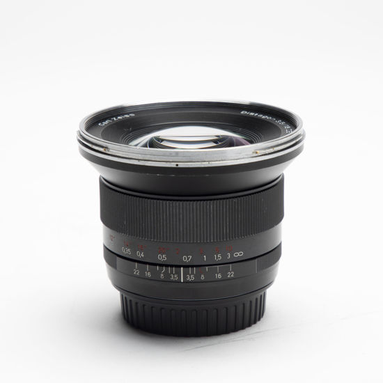 Picture of Zeiss ZE 18mm 3.5 Canon mount lens