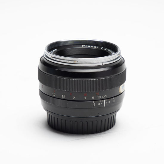 Picture of Zeiss ZE 50mm 1.4 Canon mount lens