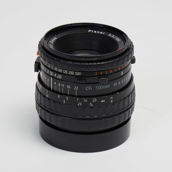 Picture of Hasselblad V 100mm 3.5 CFI Planar.